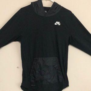 Nike sb hoodie in black